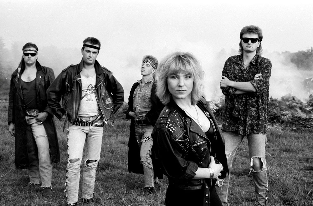 Photo Session BAD SISTER 1992 with new singer Susi